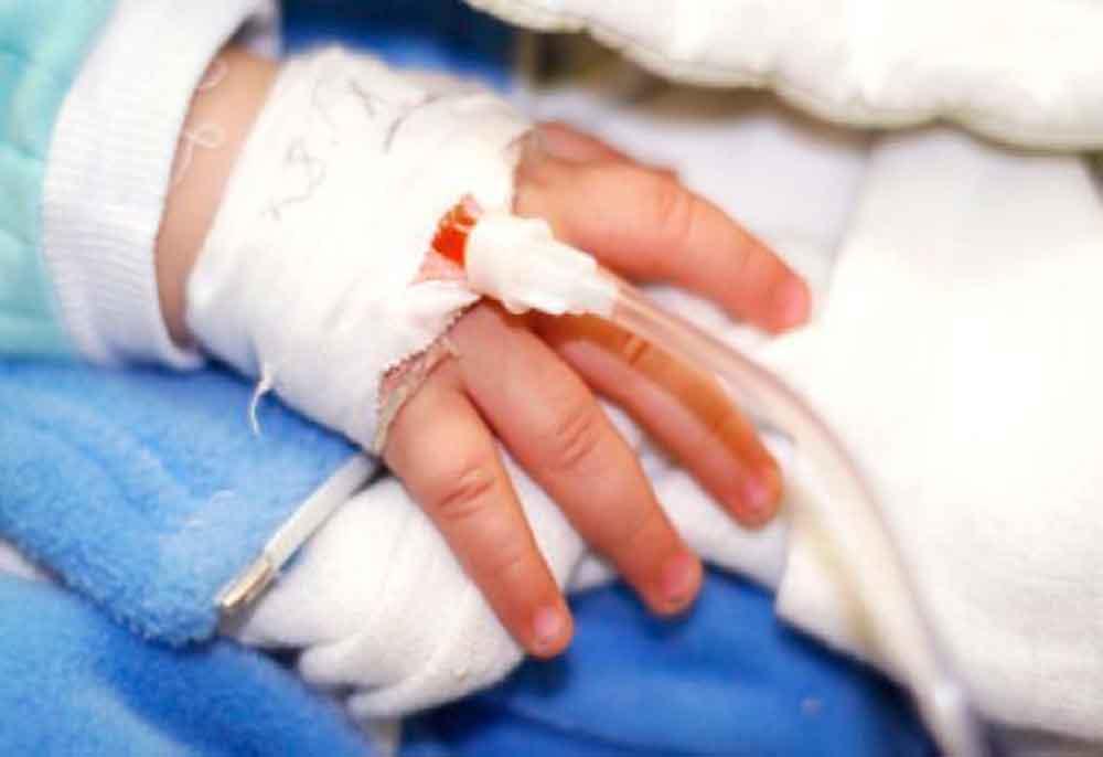 Muere niño de 2 años tras ingerir  fuerte medicamento por accidente