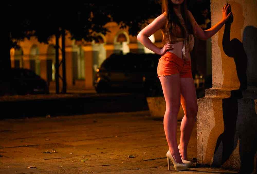 Romance de pesadilla: mujer era prostituida por su novio en los bares