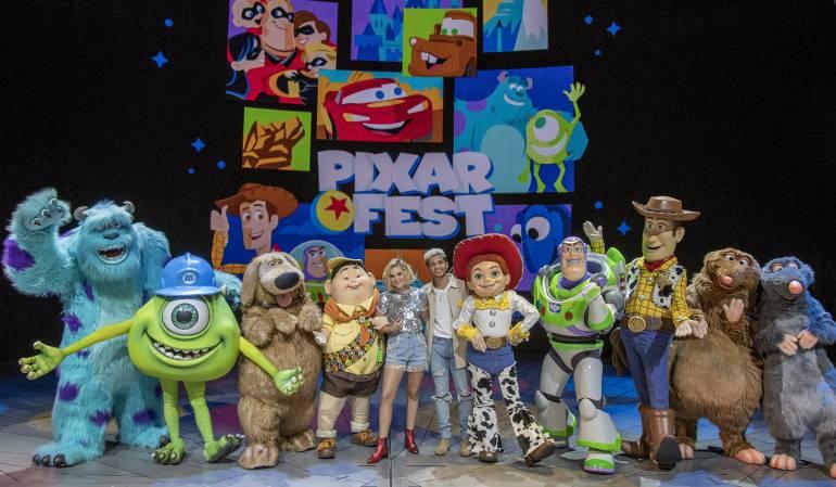 Vive la magia de los personajes del Pixar Fest en Disneyland