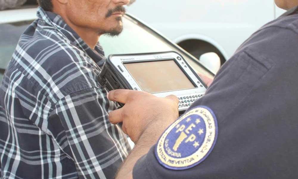 Aprehenden a sujeto por portación de arma prohibida en Ensenada