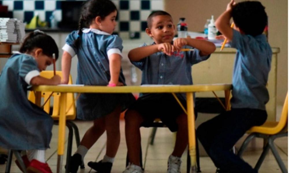 Cerrarán 283 escuelas por falta de alumnos en Puerto Rico