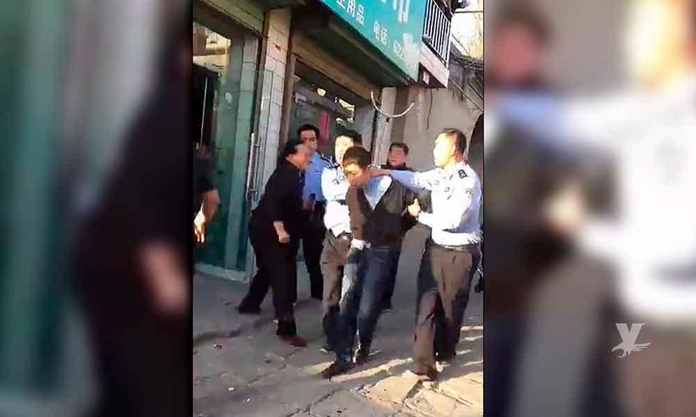 (VIDEO) Hombre armado con cuchillo asesina a siete alumnos en China