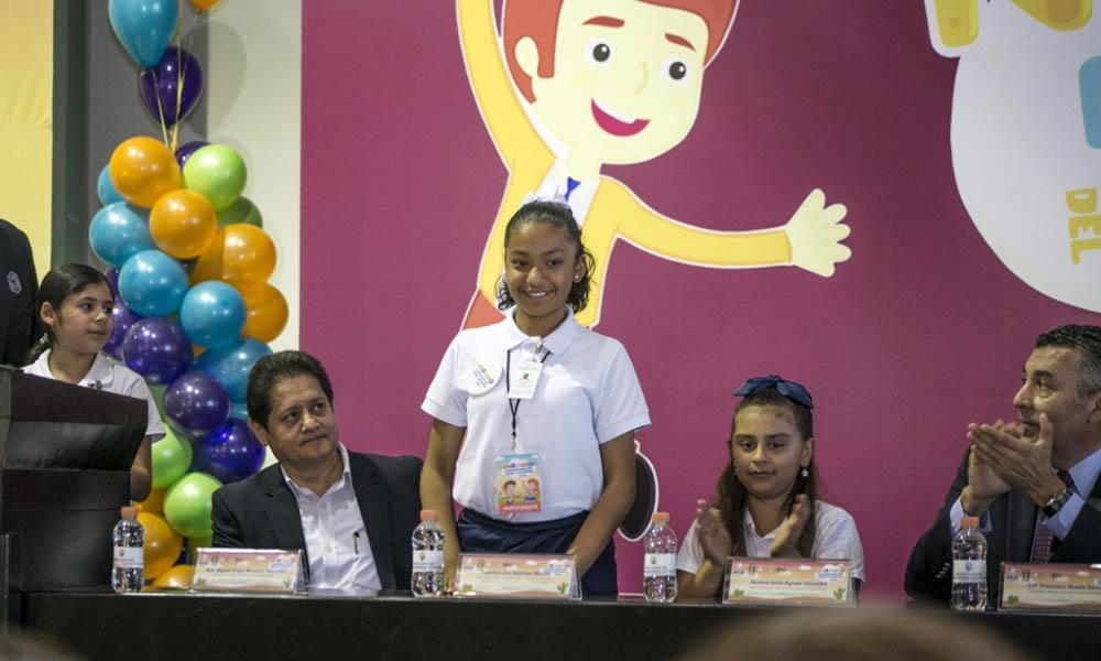 Designan a Gabriela Zoé Sánchez Macías como niña Secretaria de Educación en Mexicali