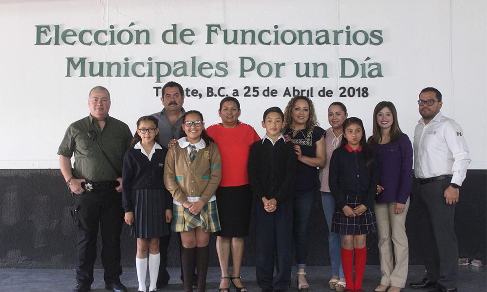Eligen a niña Alcaldesa por un día y funcionarios municipales en Tecate