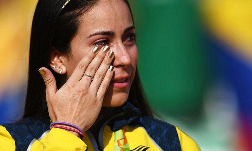 """¿Sábes de qué se trata """"la enfermedad del beso"""" que afecta a la ciclista Mariana Pajón"""