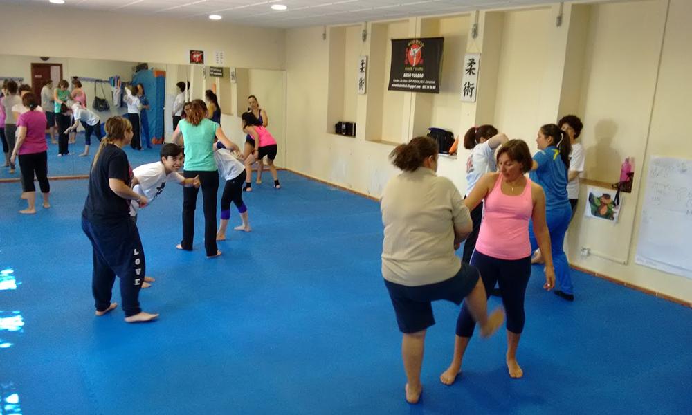 Realizarán todos los viernes taller básico de defensa personal para mujeres en Tecate