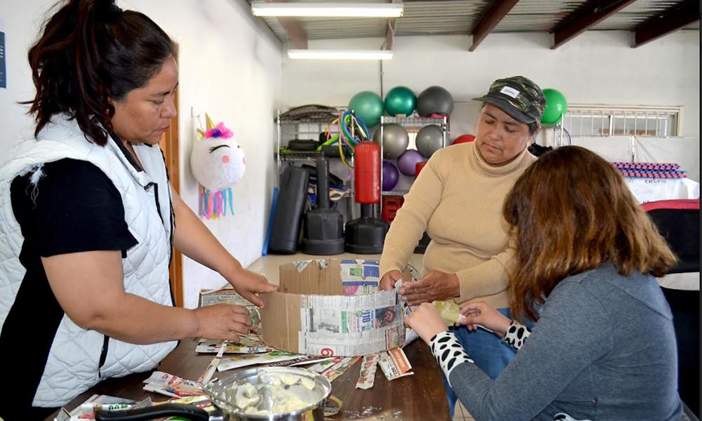 Invitan a taller para elaboración de piñatas en centro comunitario en Playas de  Rosarito