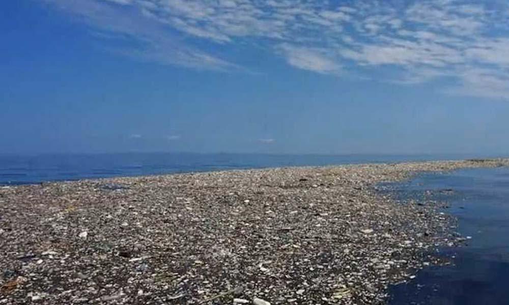Isla de basura en el  Pacífico tiene el doble de tamaño de Texas