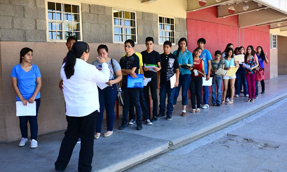 Llevan oferta educativa del CECyTE de Baja California a alumnos de secundaria