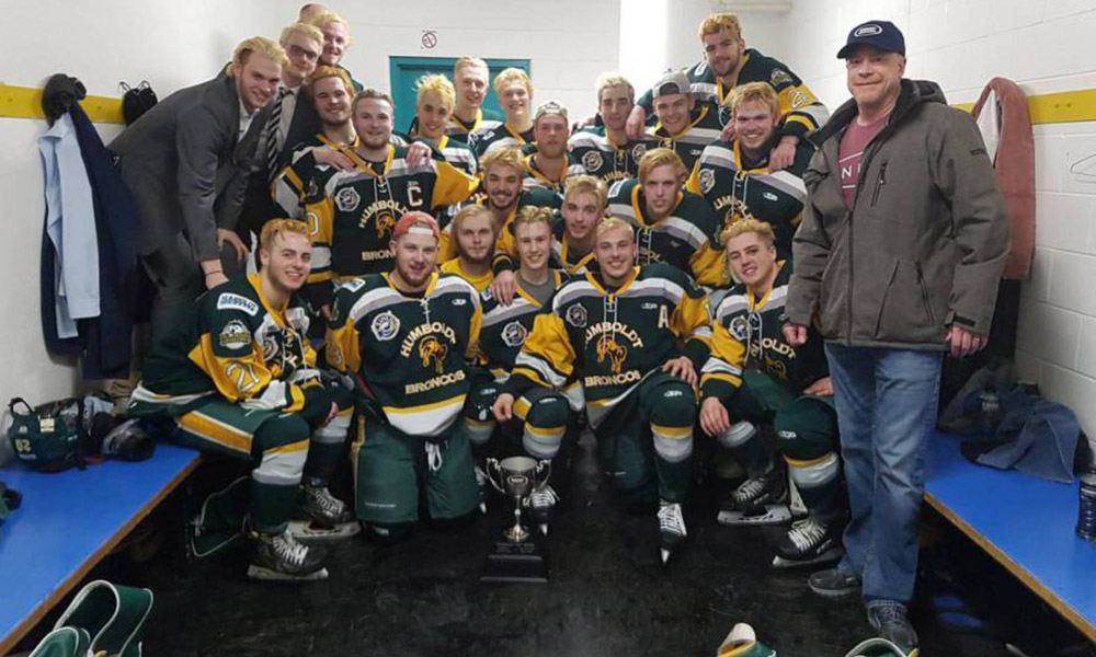 Mueren 14 miembros de equipo de hockey de Canadá