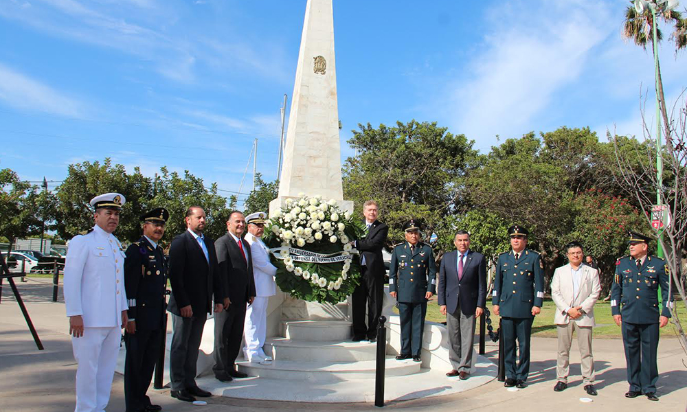 Participan en la ceremonia Aniversario de la Gesta Heroica del Puerto de Veracruz