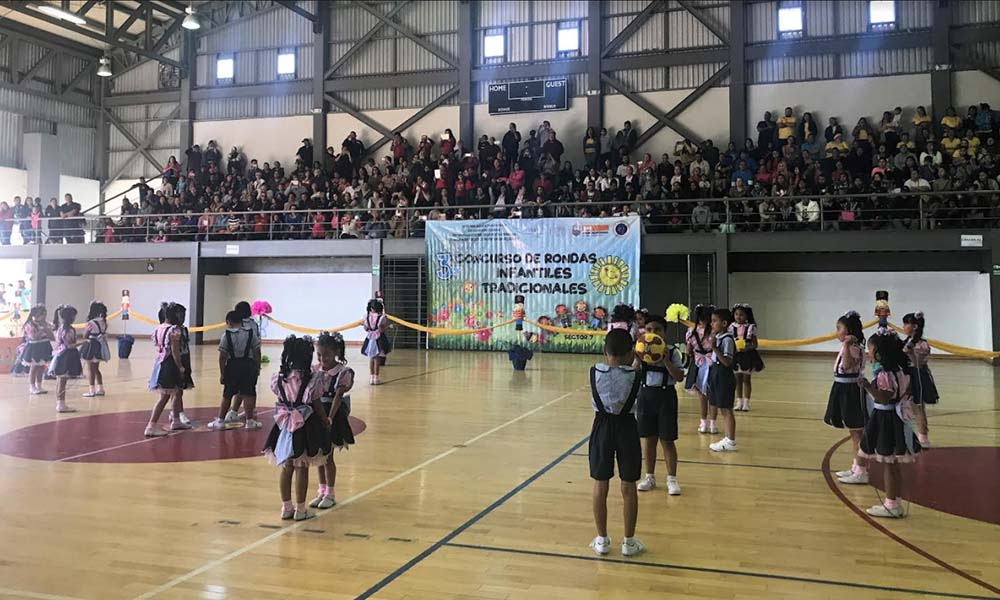 Participan alumnos de primer y segundo año de primaria en el Tercer Concurso Rondas Infantiles en Tijuana
