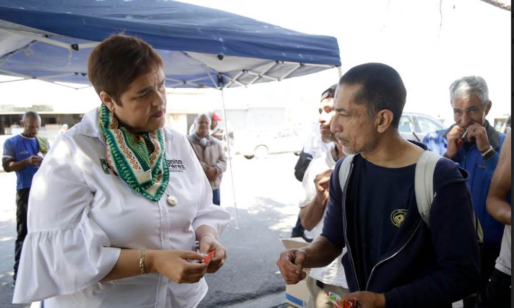 Urge reinserción social de indigentes: Juanita Pérez