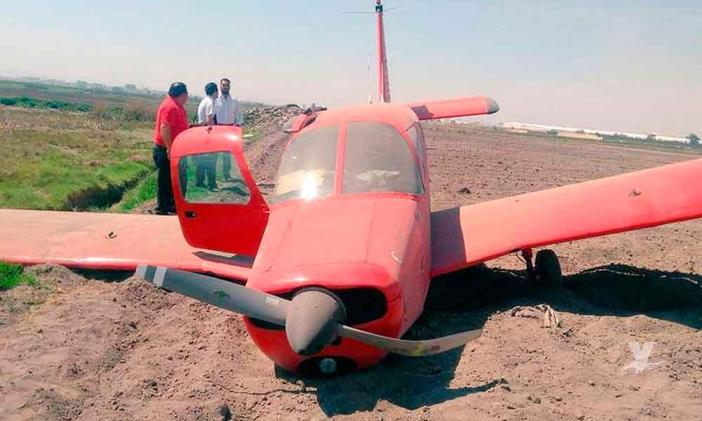 (VIDEO) Aterriza de emergencia una avioneta cerca del Aeropuerto de Toluca