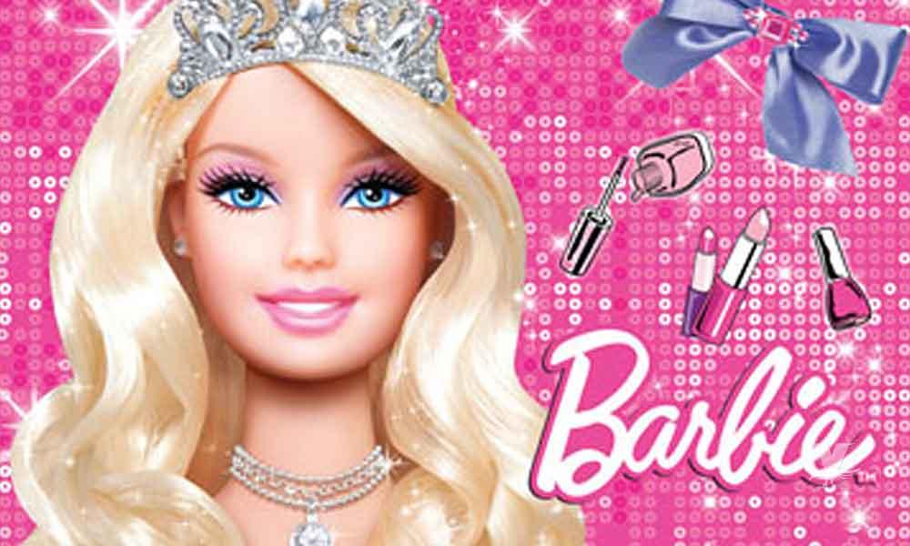 La icónica muñeca Barbie, ya tiene nombre completo