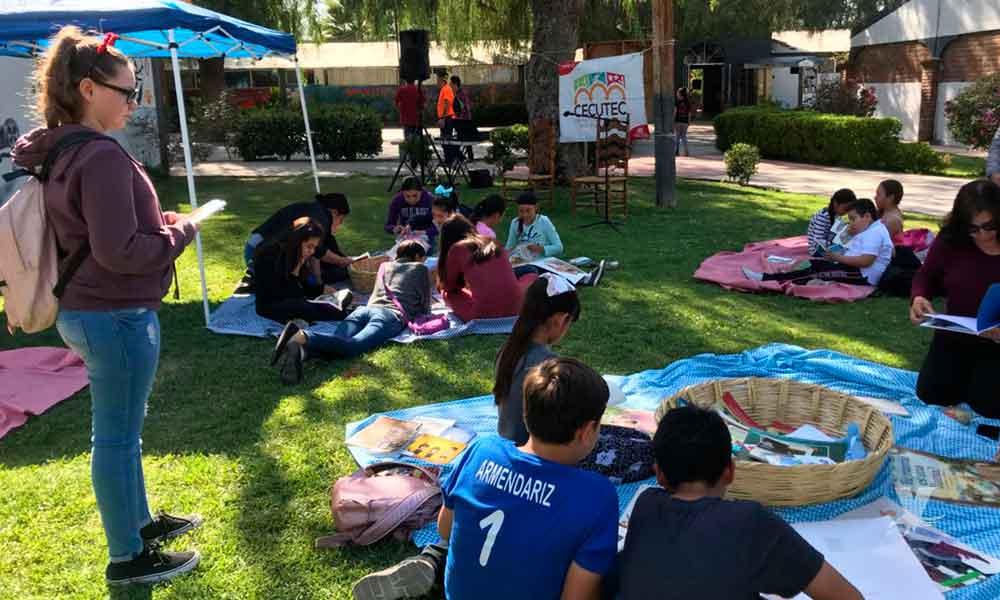 """Gobierno Municipal de Tecate promueve la lectura a temprana edad con """"picnic literario"""""""
