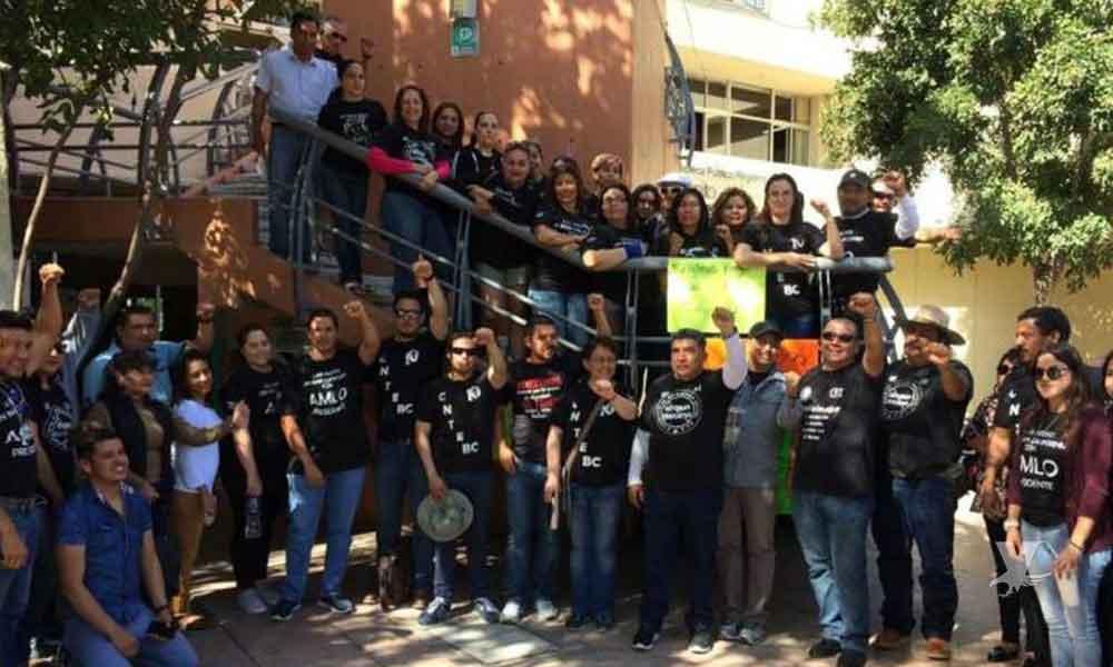 Manifestación de maestros de la CNTE