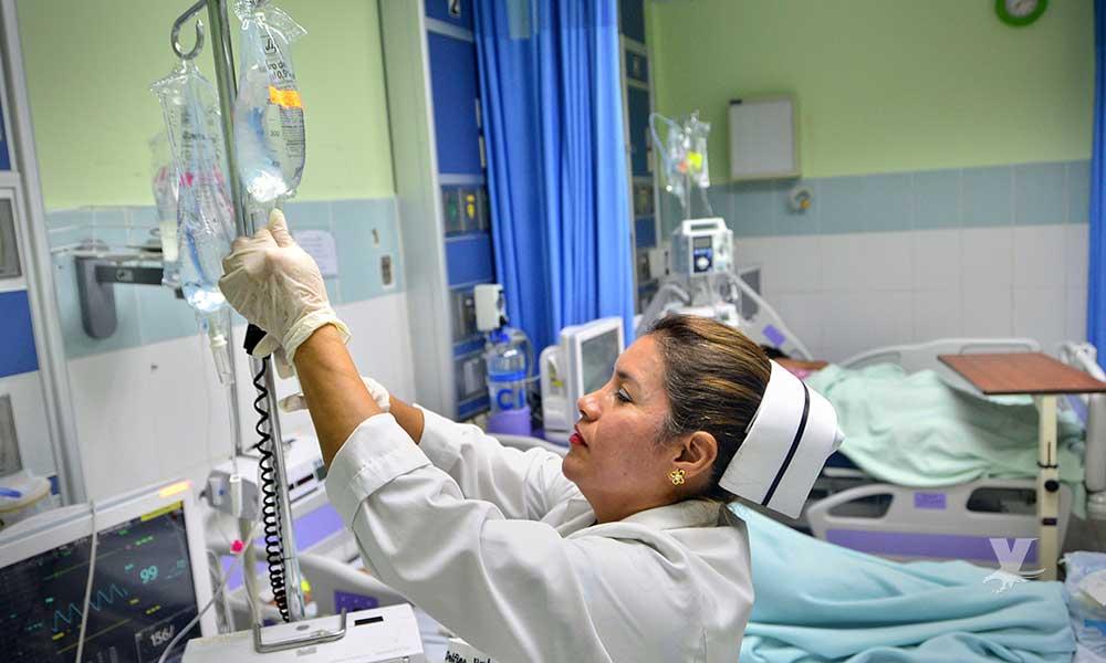 Hospitales en Estados Unidos buscan enfermeras desesperadamente, ofrecen grandes bonificaciones