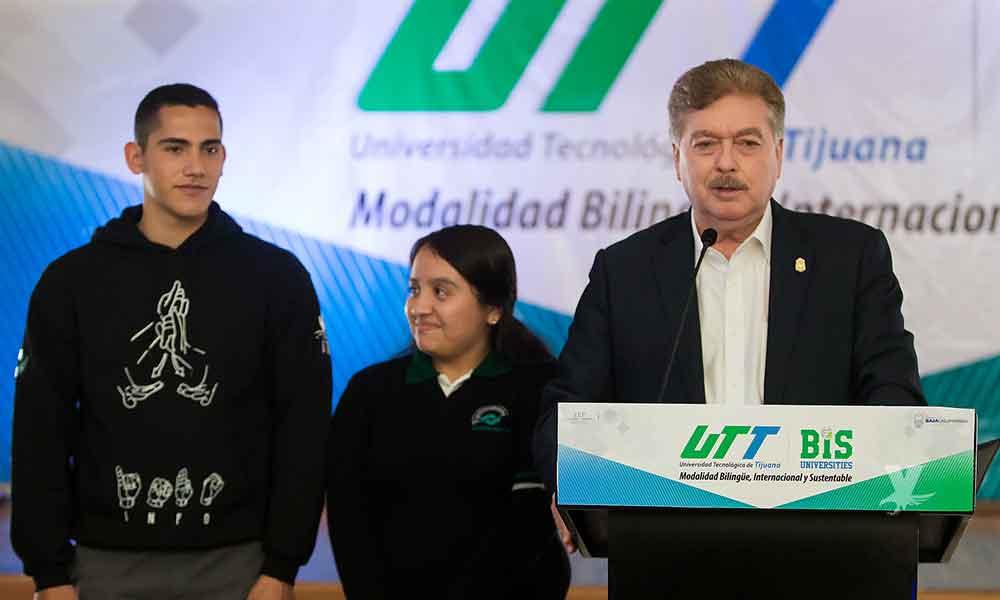 Gobernador presenta la modalidad bilingüe de la UTT y coloca la primera piedra en la Universidad Vizcaya