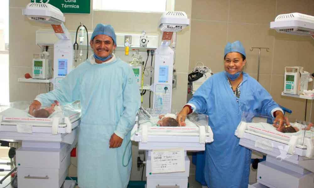 Mujer da a luz a trillizos en las instalaciones del IMSS