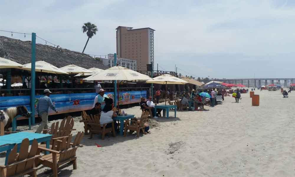 Notifican a 150 negocios cercanos al mar en Playas de Rosarito para que cumplan el reglamento de ordenamiento y limpieza