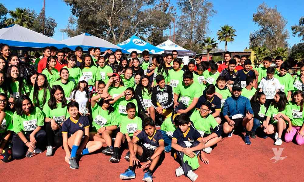 """700 corredores participan en la competencia """"Corre con Corazón"""""""
