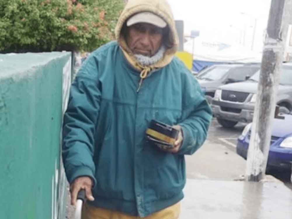 Don Manuel vive con 36 pesos diarios