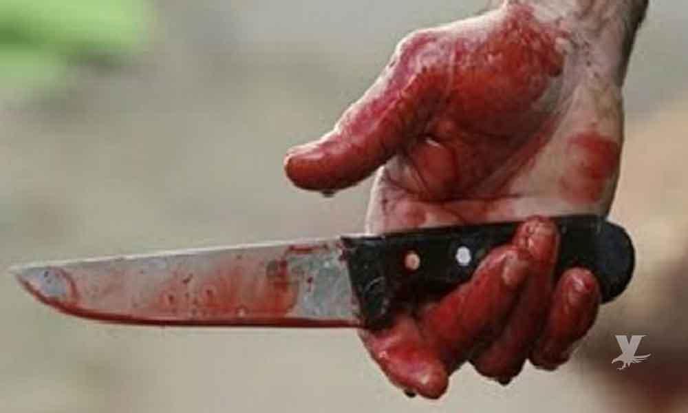 Mujer regañó a niños traviesos; el padre en venganza la apuñaló 6 veces