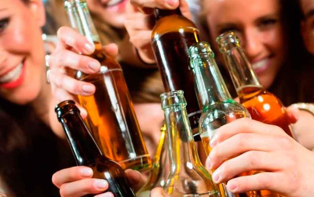 Buscan subir a 21 años la edad mínima para tomar alcohol