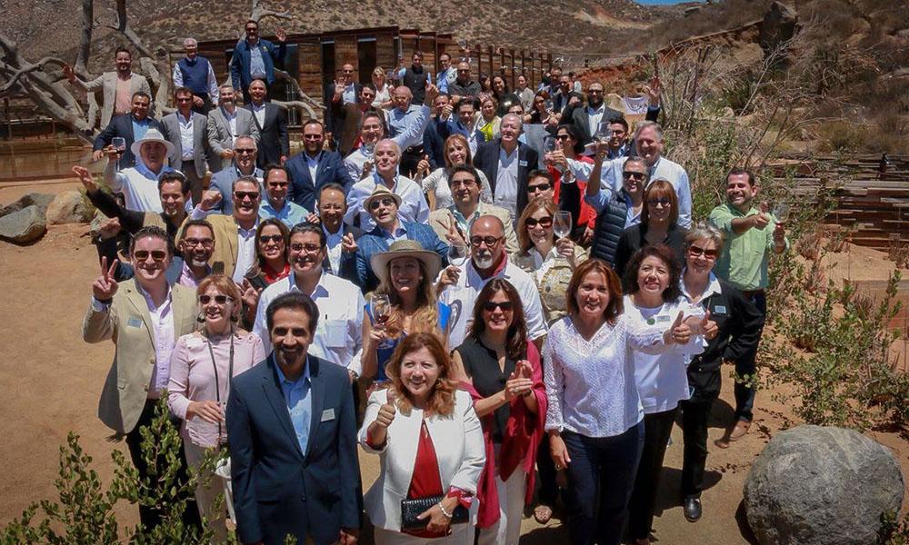 Acompañan en su recorrido por las industrias vitivinícolas a líderes de la frontera y cónsules de México en Estados Unidos en Ensenada