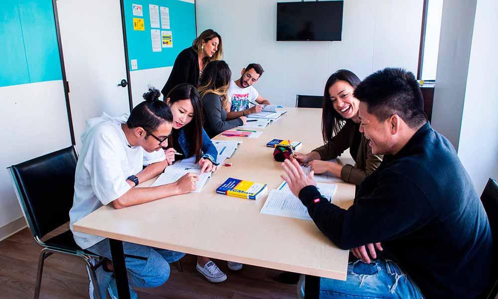 Ofertan curso gratuito de inglés para Ciencia, Tecnología, Ingeniería y Matemáticas