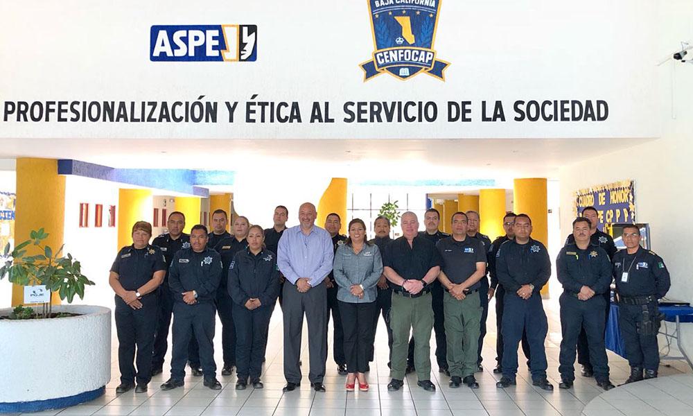 Capacitan a Oficiales de Policía de Tecate en la Academia Estatal