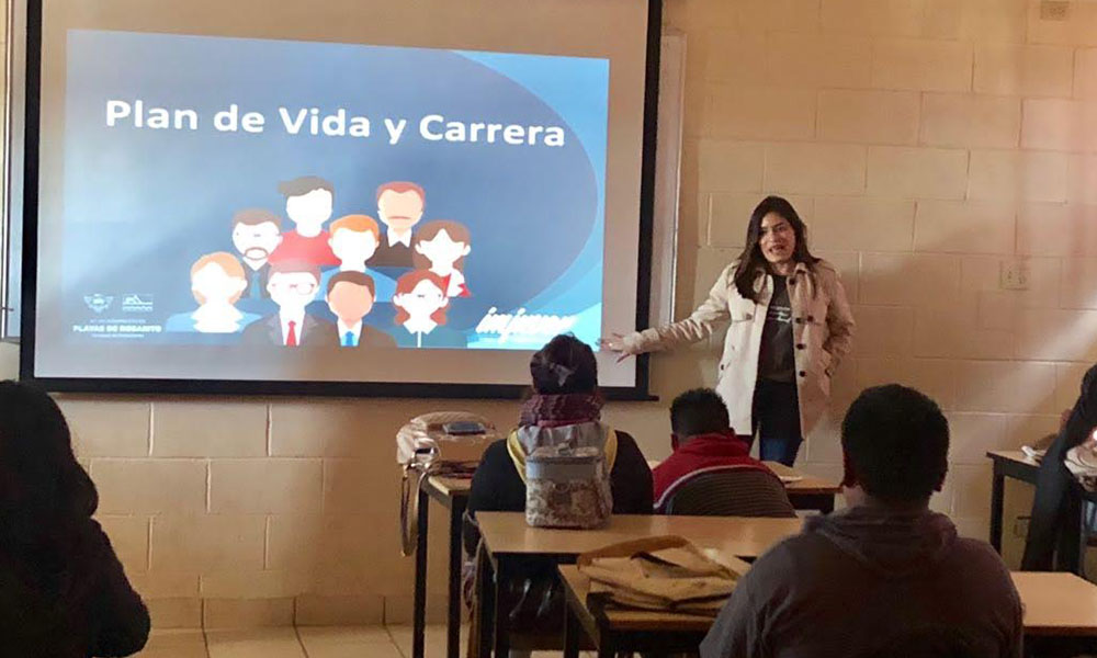 Imparte Instituto Municipal de la Juventud de playas de Rosarito charla de orientación vocacional  a alumnos del CECYTE