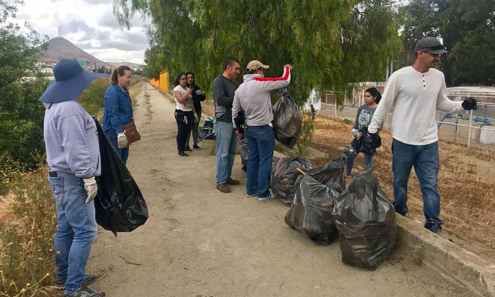 Sumándose a la limpieza del Río Tecate, reafirman compromiso con el medio ambiente