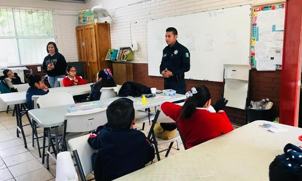 """Policía Municipal expone taller """"Seguridad en Redes Sociales"""" en Tijuana"""