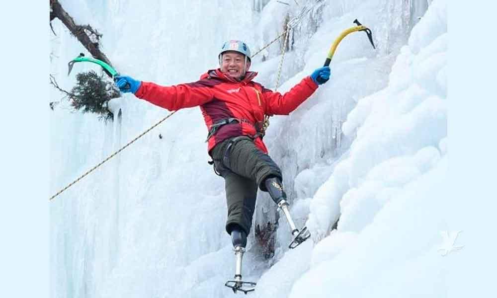 Xia Boyu sube el Everest; tiene 70 años y ambas piernas amputadas