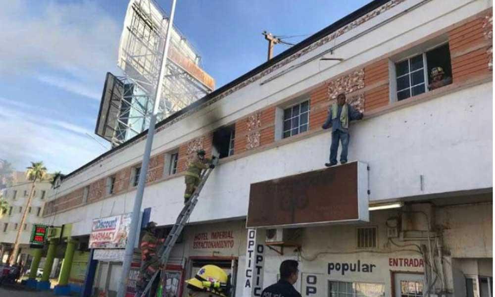 Hombre intenta suicidarse tras incendiar hotel de Tijuana