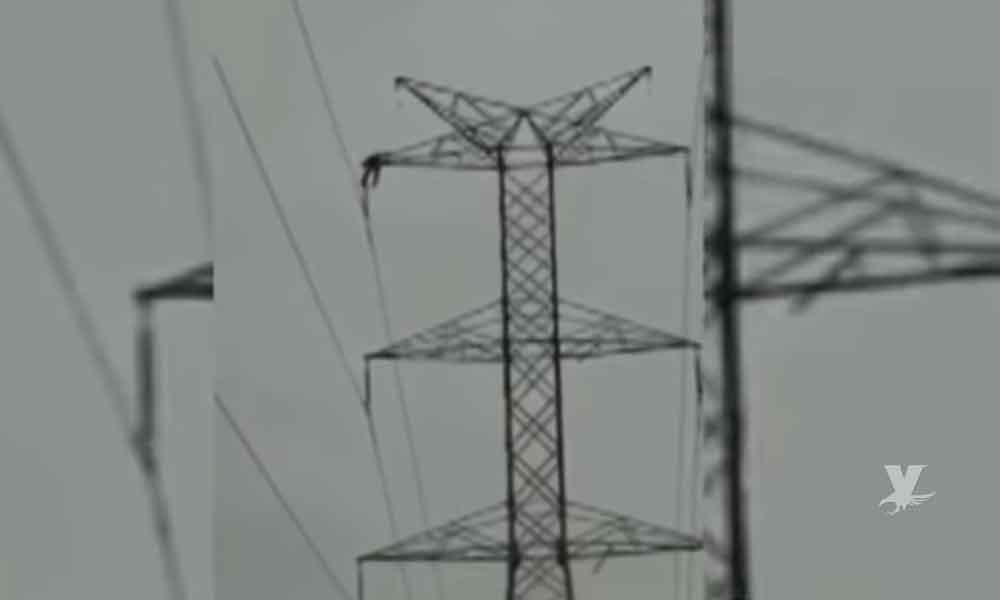(VIDEO) Muere joven electrocutado en torre de alta tensión