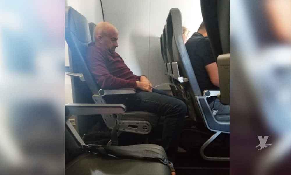 Hombre es detenido por orinar en el asiento del avión