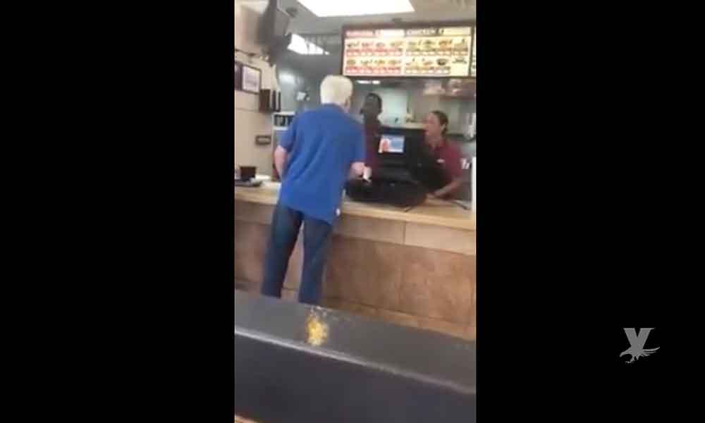 """(VIDEO) Nuevo caso de racismo, ahora en el restaurante """"Jack in The Box"""""""