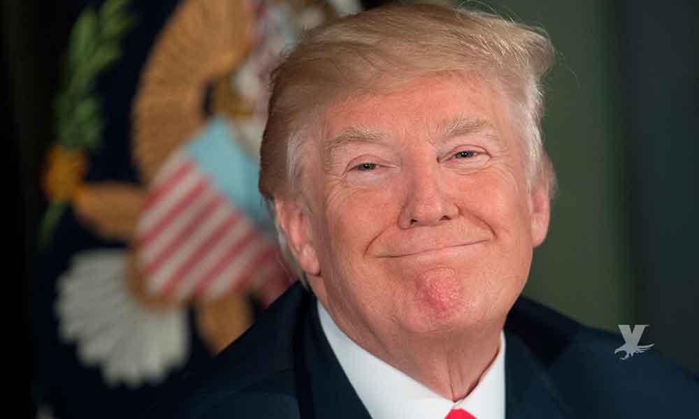 """Donald Trump se felicita a él por """"Memorial Day"""""""
