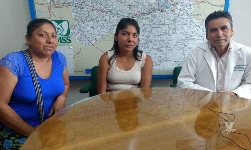 Médicos del IMSS salvan la vida de una menor; retiran un tumor de 15 kilos