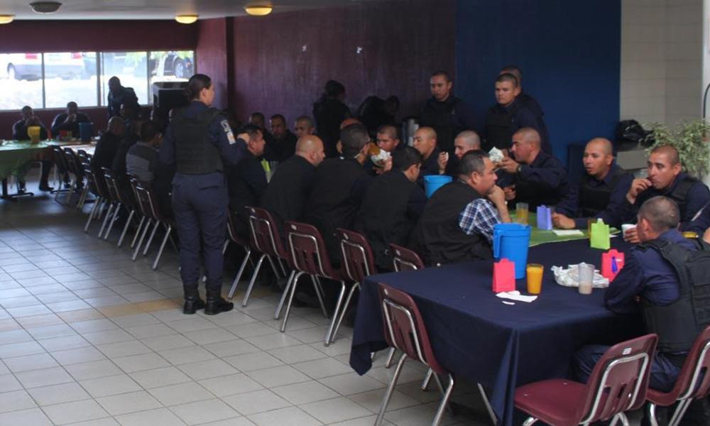Festeja Secretaría de Seguridada Pública del Estado a padres cadetes, futuros policías de Tecate