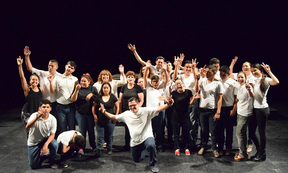 Concluye taller de danza con alumnos de Centro de Atención Multiple en CEART Tecate