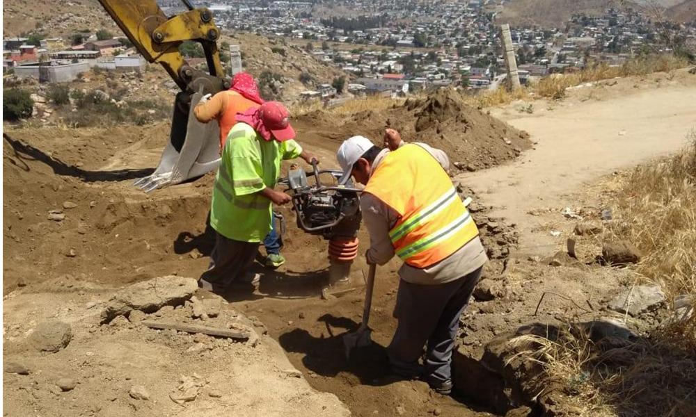 Realizan trabajos de pavimentación en Tecate