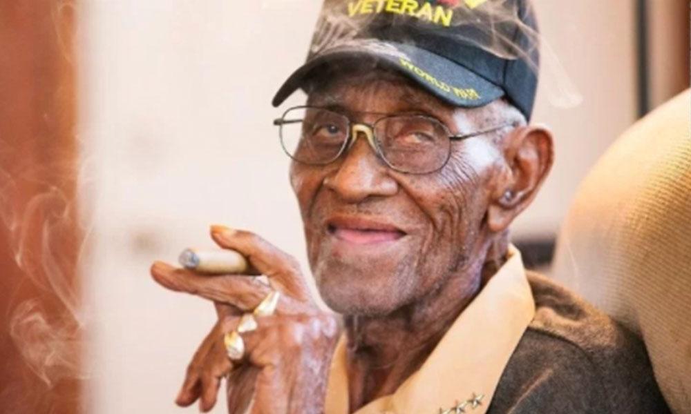 Vaciaron la cuenta bancaria del veterano más antiguo de América