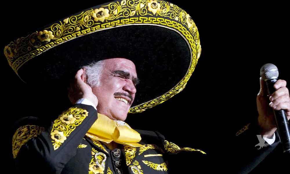 """Vicente Fernández muestra foto y sus """"fans"""" se muestran preocupados"""