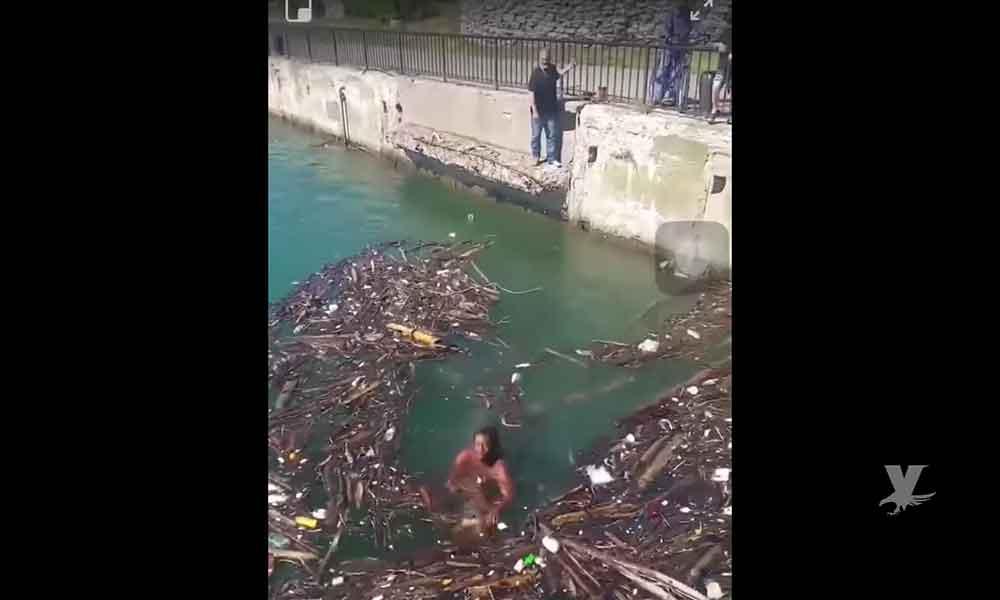 (VIDEO) Captan momento exacto en que dos hombre se ahogan en un río