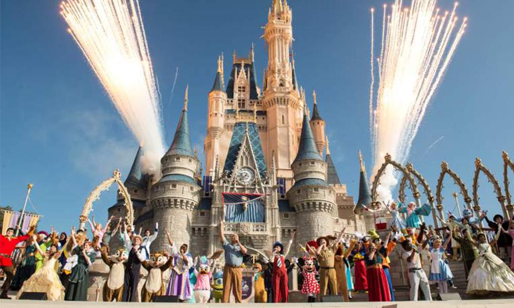 ¡Feliz cumpleaños al parque temático de Disney en California!; Cumple 63 años