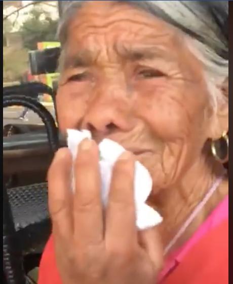 Discriminan a mujer de la tercera edad (VIDEO)